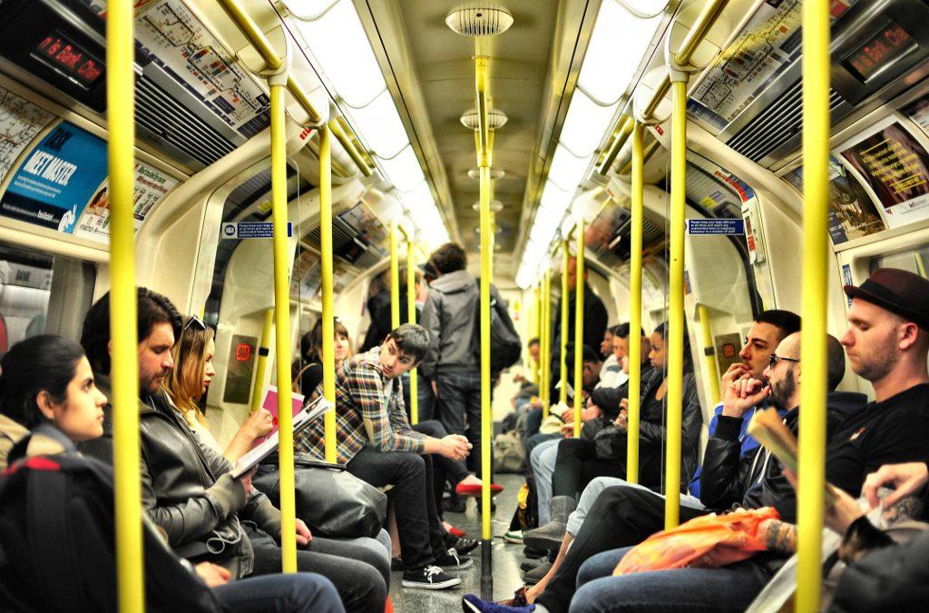 Was lesen die denn alle in der U-Bahn?